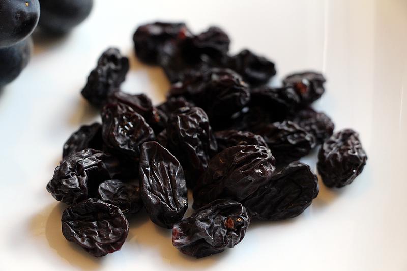 dehydrated-grapes-raisins2